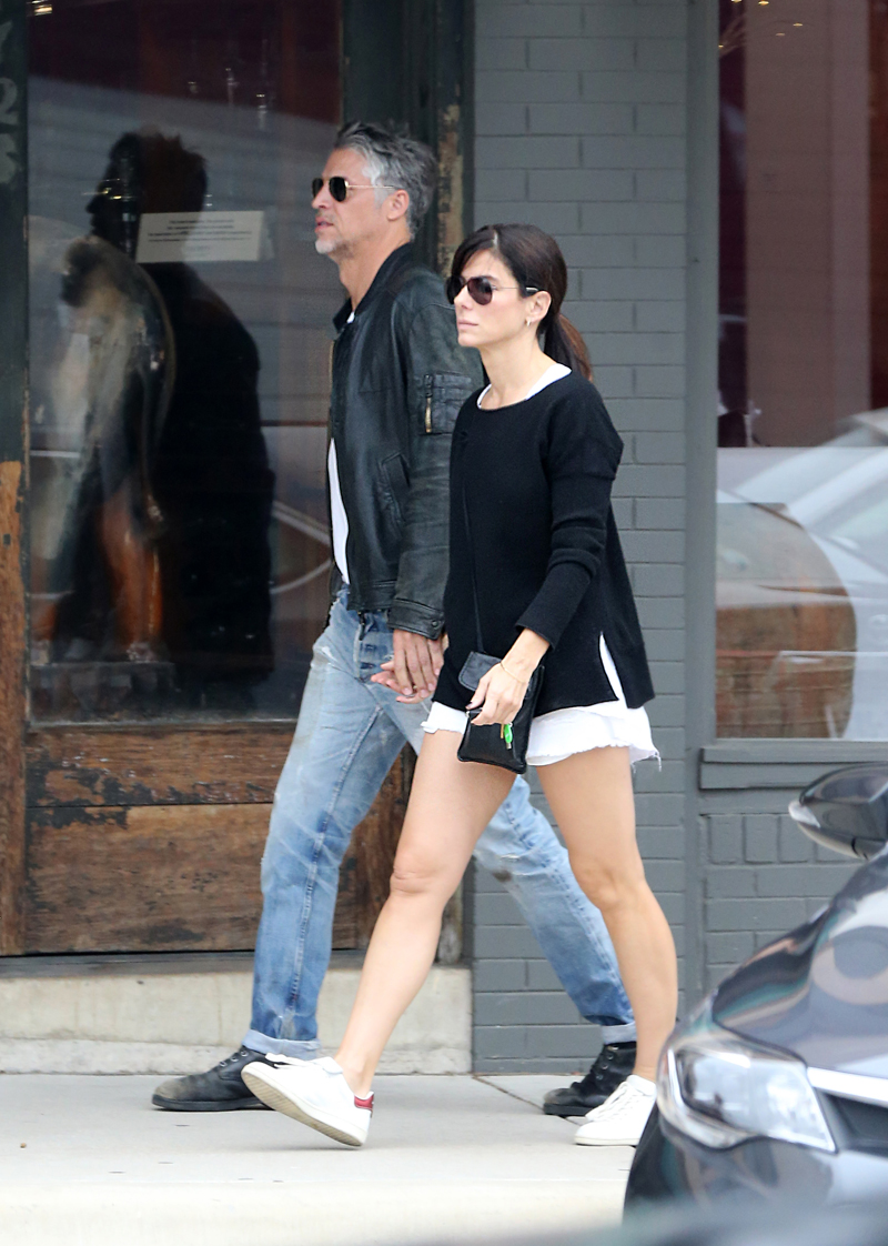 sandra bullock dating who 2016 Though sandra bullock might think to have found newly gained bliss in boyfriend bryan randall, the actress's new prince charming might not be as perfect as he initially seems.
