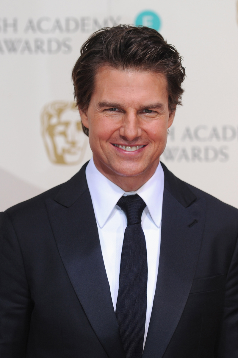 What Happened?! 'Bloated' & 'Frozen' Tom Cruise Unveils ... Tom Cruise