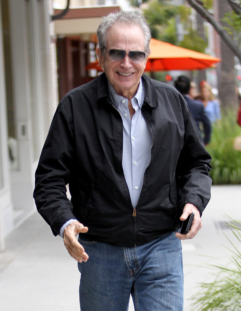Warren Beatty At 78 Looking Beat Over Family Crisis