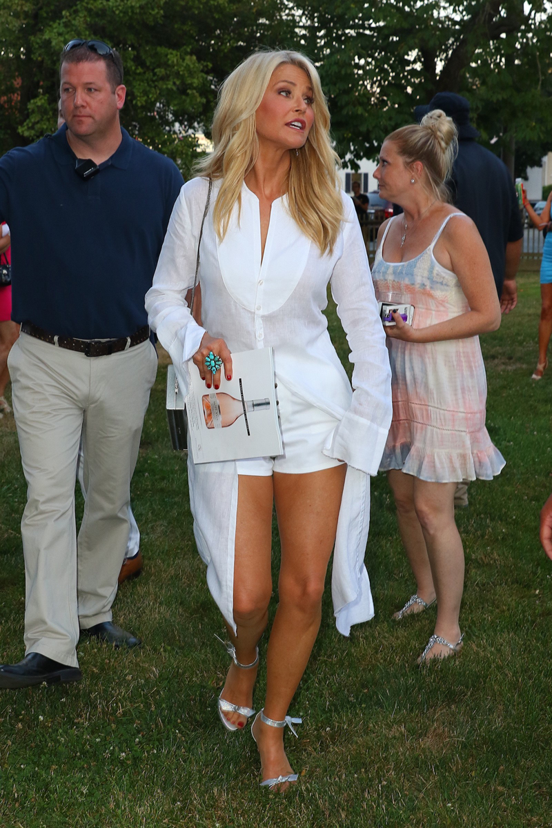 brinkley dating Christie brinkley says trump offered her a ride on brinkley — who started dating joel in 1983 and married him two years later — said she was.