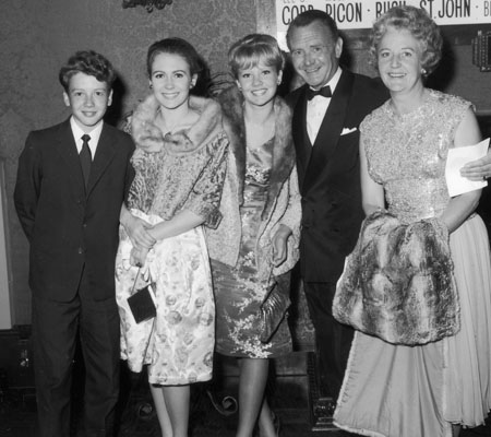 Juliet and Hayley Mills with their family in 1963