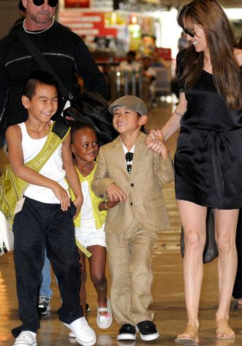 Angelina Jolie with Maddox, Zahara and Pax