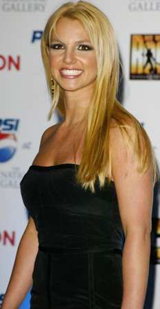 In 2004, Britney flew to London to promote the launch of her ad with Pepsi.