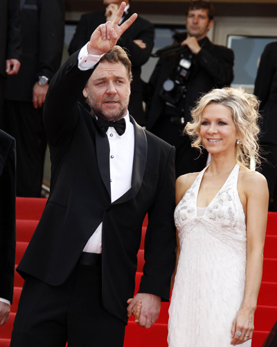 Russell Crowe and Danielle Spencer at <i>Robin Hood</i> premiere