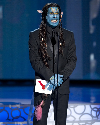 Presenter Ben Stiller in <I>Avatar</i> costume